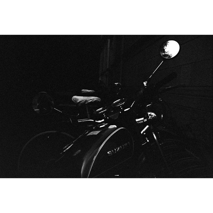 Suzuki Nikon F90x - - #film #ireland #filmstagram #shootfilmnotmegapixels #shootfilm #35mm #filmisnotdead #filmcamera #photography #pictureoftheday #analogphotography #staybrokeshootfilm #goshootfilm #discoverireland #discoverdublin  #dublin #student  #filmisgod #36pics #nikonphotography #kodak #36exp #35milli #wasteoffilm #filmbook #blackandwhite #believeinfilm http://butimag.com/ipost/1563830863597643497/?code=BWz1-KJh6bp