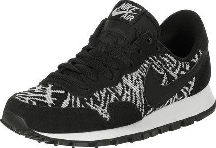 De geweldige Nike Air Pegasus 83 JCRD Schoen voor meiden! De geweven Jaquard-upper hebben we hier in een zwart-witte zebra look, met zwarte suède overlays die voor een mooi contrast zorgen.- Jaquard-versie van de Pegasus- grip zool- zebra print- padded binnenkant- dempende EVA-tussenzool- zwarte swoosh- zwarte lacesBovenmateriaal: Echt leer, textielVoering: Textiel
