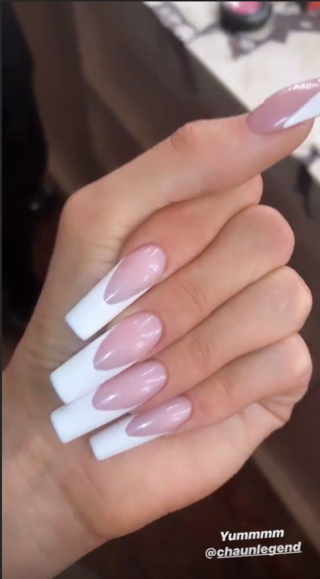 Kylie Jenner S Deep French Manicure In 2020 Kylie Nails Acrylic Nails Kylie Jenner French Acrylic Nails