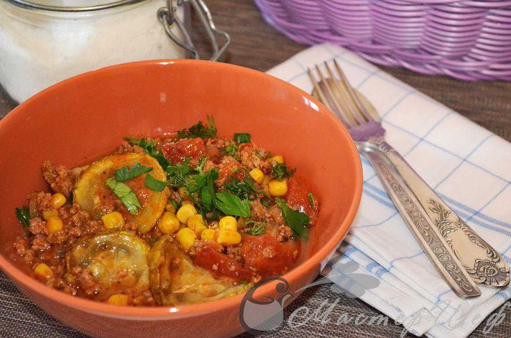 Мясное рагу «Ацтек» с овощами  На гарнир к такому рагу, идеально подойдут спагетти. Если Вы любите по острее, смело добавляйте чили. Прекрасное блюдо! Пошаговый рецепт с фото для Вас!