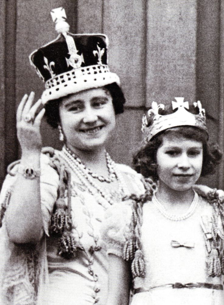 Fascinating pictures show Queen in EVERY year of her reign