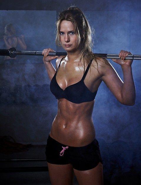 sweating girl | विज़िट करने के लिए स्थान | Pinterest ...