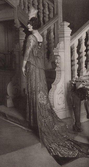 Les Modes (Paris) May 1913 robe et manteau de bal par Boué Soeurs