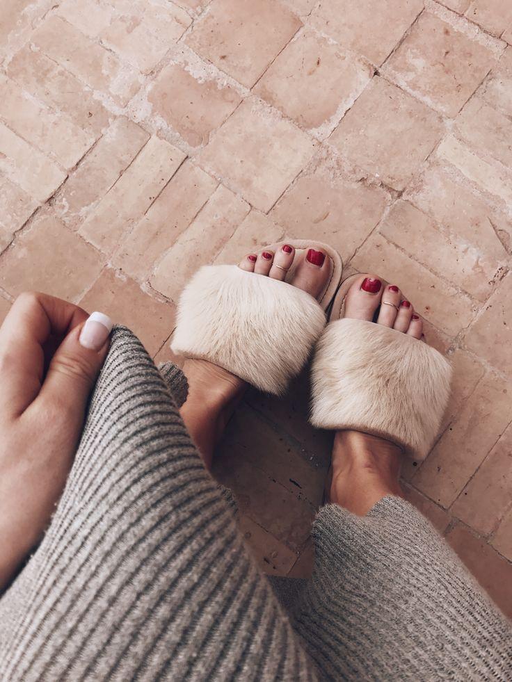 Lola fur slippers