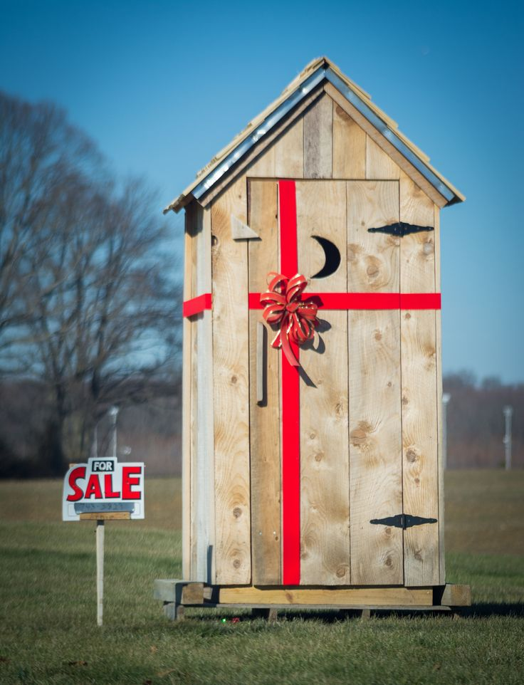 Outhouse for sale by Juan Carlos Gonzalez-Najera / 500px