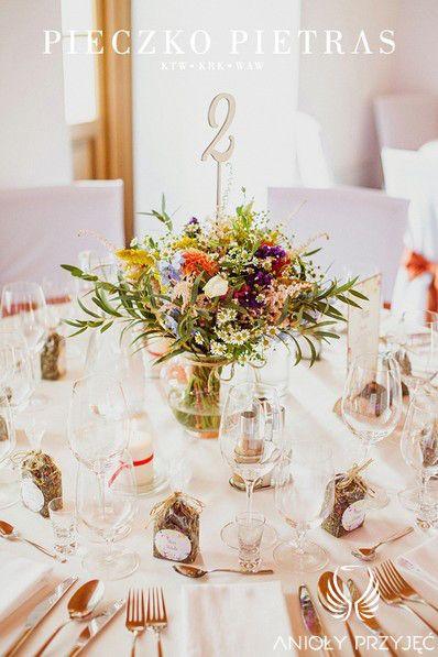 3. Electrical Wedding,Rustic,enterpieces,Field flowers,Table number,gifts for guests / Elektryczne wesele,Rustykalne,Kwiaty polne,Numery stołów,Anioły Przyjęć