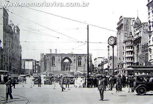 SP - Praça da Sé - Catedral da Sé em construção.
