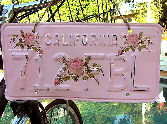 pink shabby license plate for the garden gate