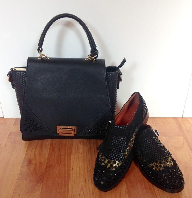 abbinare-borsa-e-scarpe- scarpa-bassa- frange-fibbia-laterale