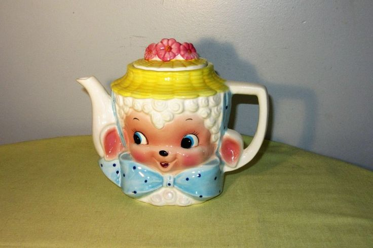 Vintage Brinnco Little Lamb teapot BN436 1950's Kitchy Smiling Lamb