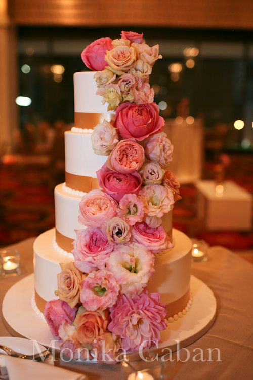white square wedding cakes with flowers 1000 images about cake decor w flowers on 27326