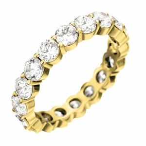 i think i need a yellow gold wedding band too, just to mix and match ;)