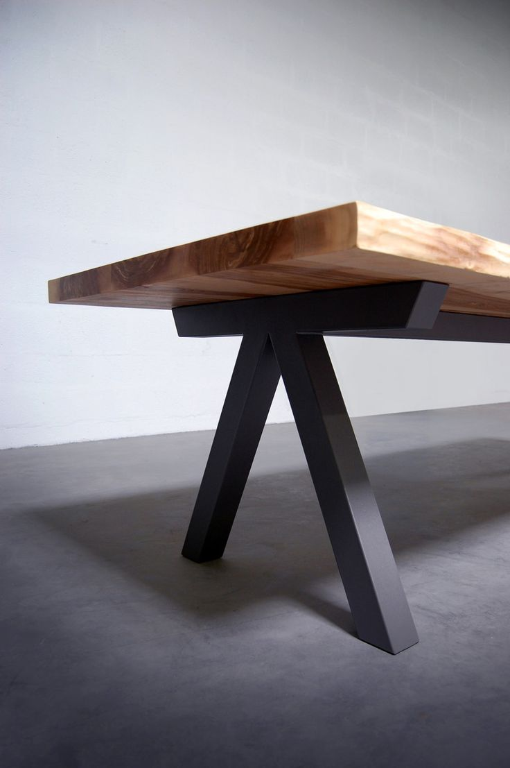 25 best ideas about live edge table on pinterest wood for Table bois pied metal