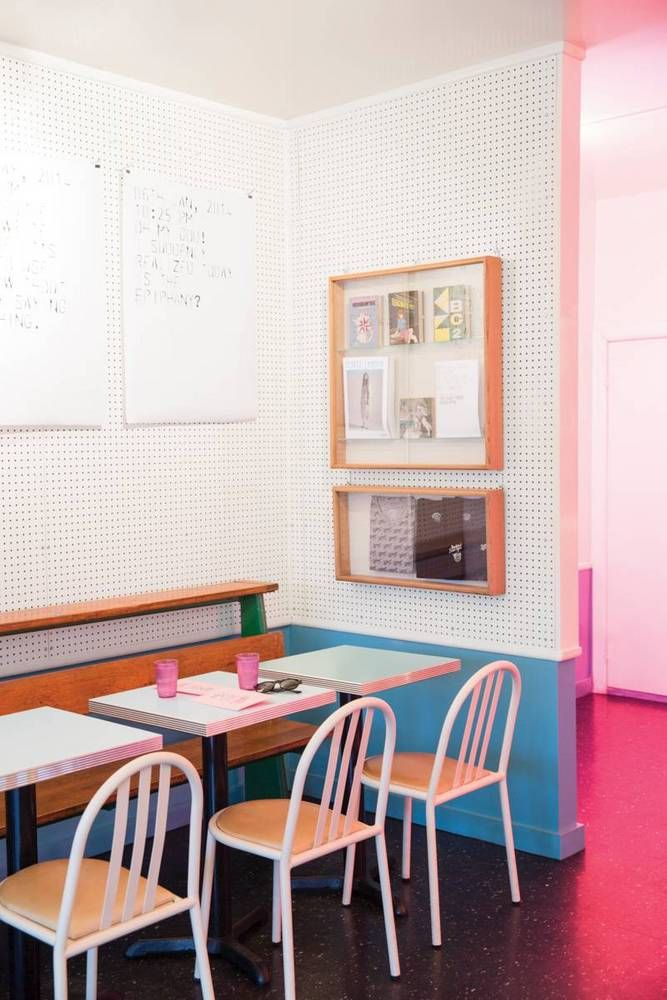 Cafe Henrie.