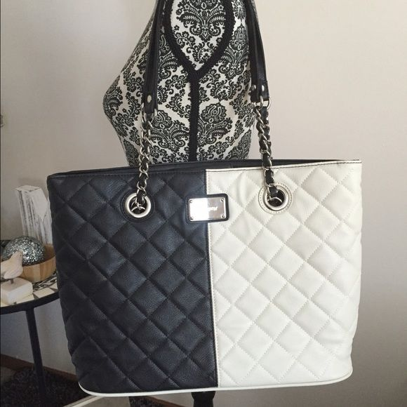 Nine West purse Reduced - Nine West purse - large, size 16x12x5.5.  New without tags.  Very stylish. Nine West Bags