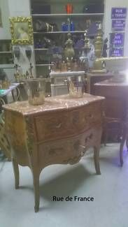 FRENCH ANTIQUE MARQUETRY MARBLE TOP-CHEST OF DRAWERS WITH BRONZE MOUNTS
