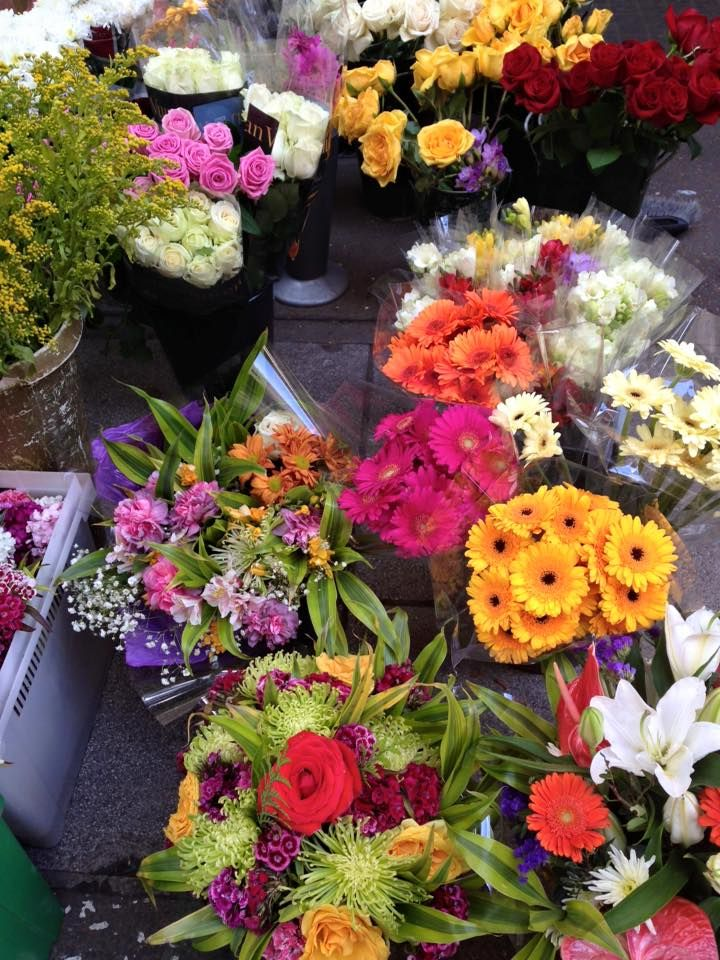 Beautiful flowers you can find @ Doolittles shop, in our market ♥