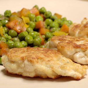 Фото к рецепту: Рубленные котлеты из куриной грудки с овощами