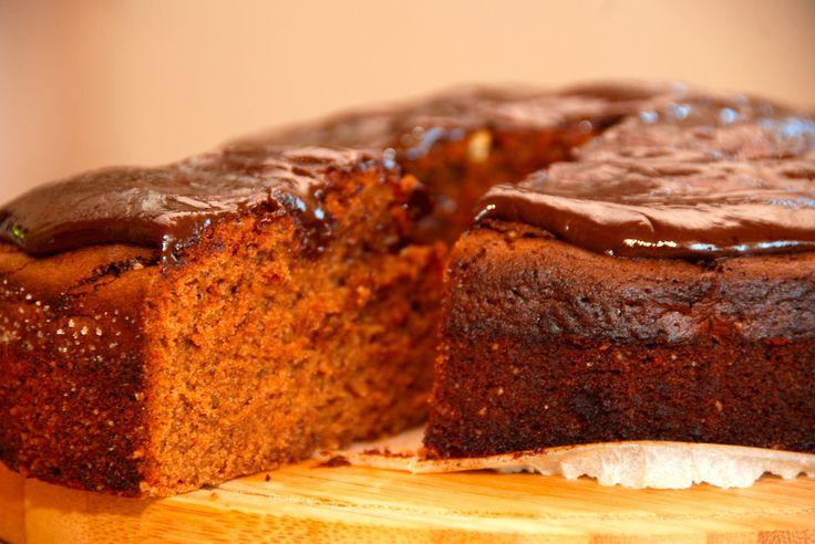 Chokoladekage med Baileys er en vanvittig lækker kage, der laves med mørk chokolade i stedet for kakao. Og selvfølgelig Baileys kendte likør.