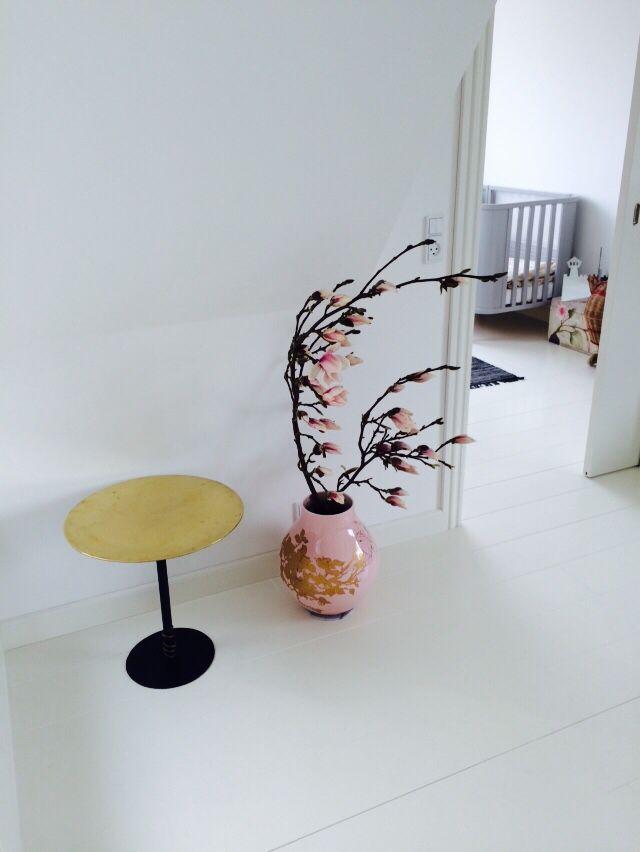 Spring inside. Table from Fil de Fer