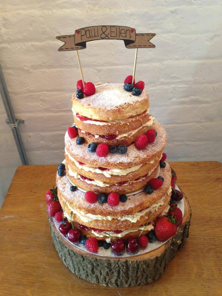 how to make a tiered victoria sponge wedding cake tiered sponge www alittlepieceofcupcake 15868