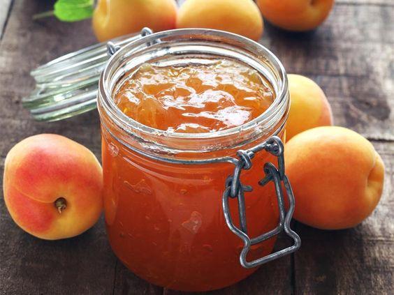La meilleure recette de confiture d'abricots au Thermomix ! Vous pouvez la parfumer à la vanille pour encore plus de gourmandise :)