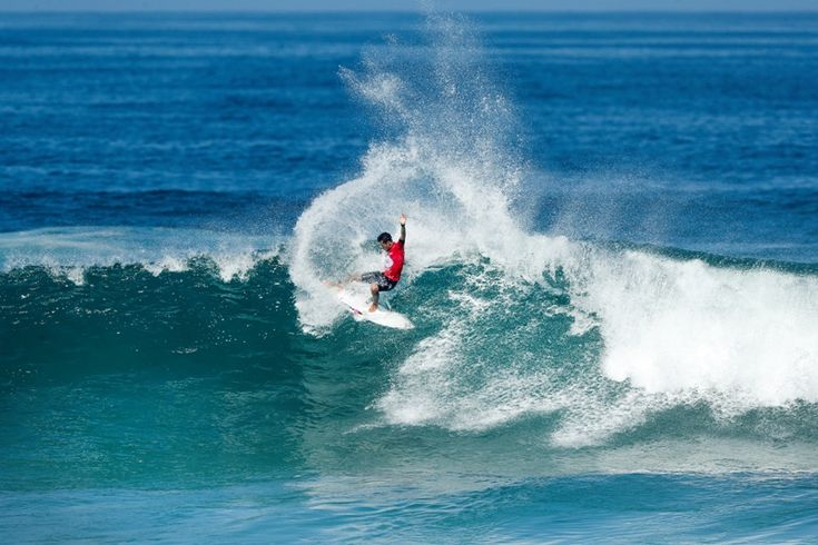 Três surfistas brasileiros estreiam com vitórias no Oi Rio Pro