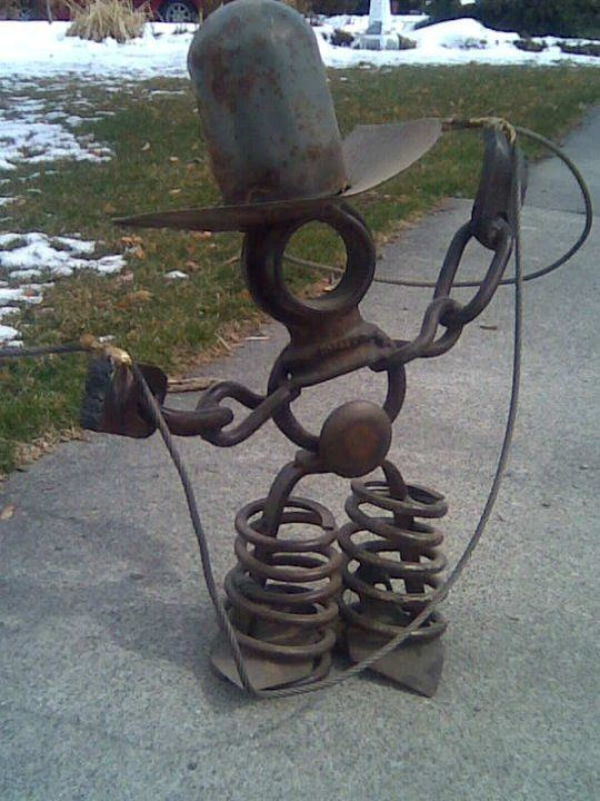 17 best ideas about recycled metal art on pinterest for Wire yard art