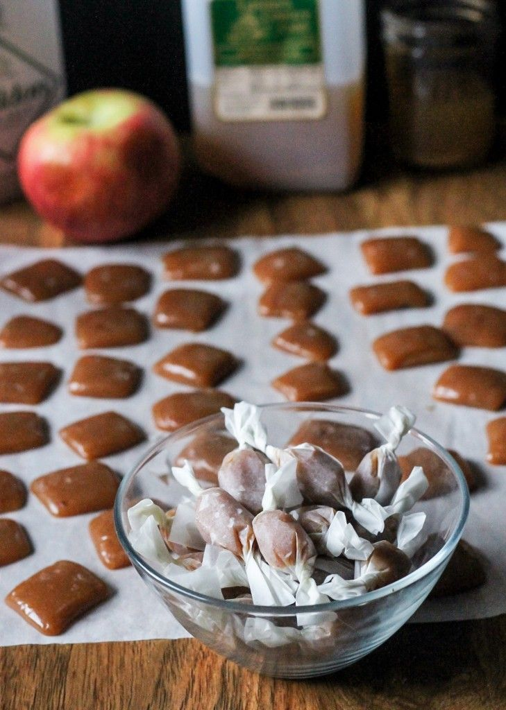 Caramels à la pomme et au cidre.