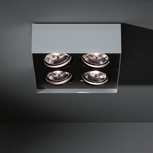 De veelzijdige Multiple van Modular past in zowel een minimalistisch als een industrieel-chique omgeving. De buitenzijde van de Multiple Surface is een strakke, aluminium doos, de binnenzijde is zwart en herbergt de lichtbronnen die dankzij het kenmerkende kantelmechanisme van twee ringen in elke richting te bewegen zijn. De transformator is geintegreerd in het armatuur, dus deze kan direct tegen het plafond op het elektrapunt gemonteerd worden. Ideale oplossing om een mooi lichtaccenten te…