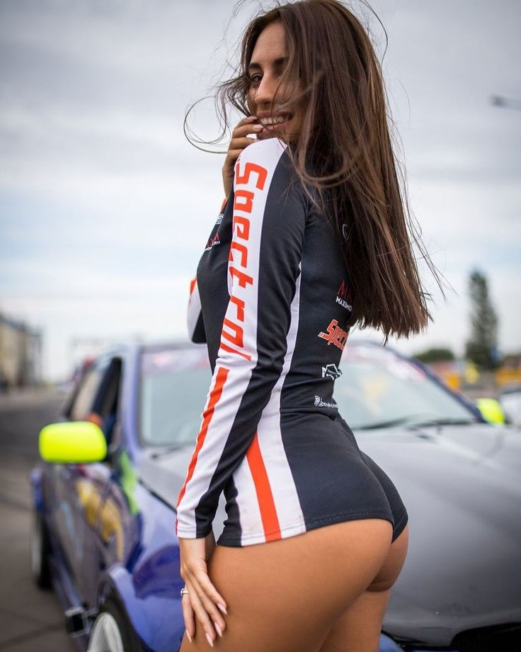 pictures-sexy-grid-girls-young-mom