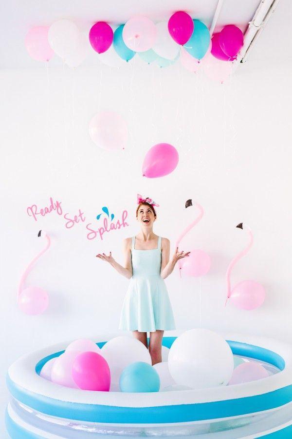 diy pool party balloon photo booth