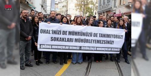 Avukatlar İstanbulda ÇHD ve ÖHDnin kapatılmasına karşı yürüdü : Çağdaş Hukukçular ve Özgür Hukukçular Derneklerinin OHAL KHKsı kapsamında faaliyetlerinin durdurulmasını protesto eden avukatlar İstanbulda yürüdü. Avukatlar  OHALinizi de mührünüzü de tanımıyoruz sokakları mühürleyemezsiniz  yazılı pankart taşıdı.  http://www.haberdex.com/spor/Avukatlar-Istanbul-da-CHD-ve-OHD-nin-kapatilmasina-karsi-yurudu/79487?kaynak=feeds #Spor   #yürüdü #Hukukçular #OHAL #Avukatlar #İstanbul