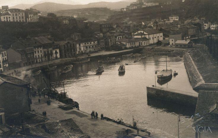 Vista de Luarca en diciembre de 1942. Colección Puertos SIGIA (Sistema de Gestión e Información de Archivos).