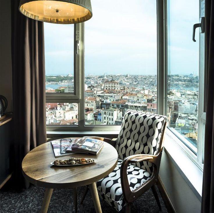 US$83 Стильный отель The Marmara Pera расположен в модном районе Бейоглу в Стамбуле, где древняя история соединяется с современной жизнью.