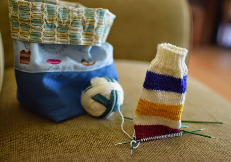 Susan B. Anderson: Hudson Bay Socks Love the nautical colors