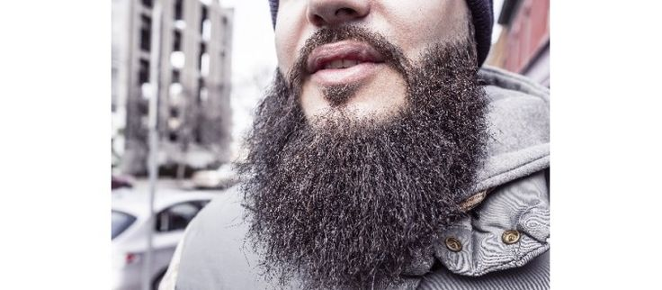 How to Oil a Beard ... The Right Way