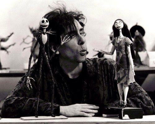 Tim Burton, tiene esa cualidad, que admiro mucho de él, para crear personajes lúgubres y una atmósfera sombría que me hace vibrar en sintonia con ello