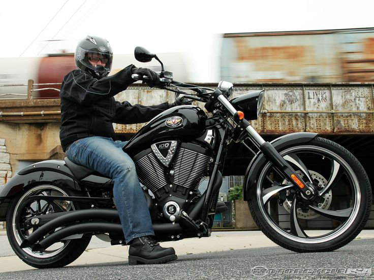 2010-victory-motorcycle