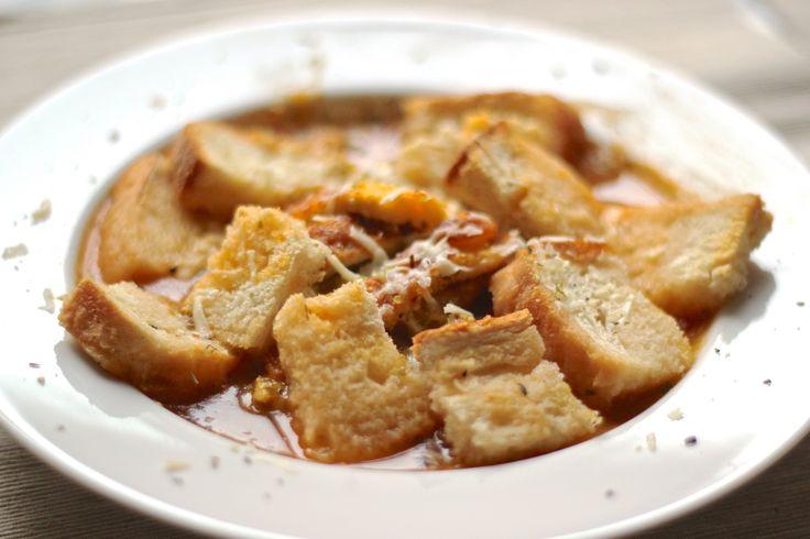 Brodo di verdure con frittata d'uovo. Scopri la ricetta su www.ilsolitomenu.com