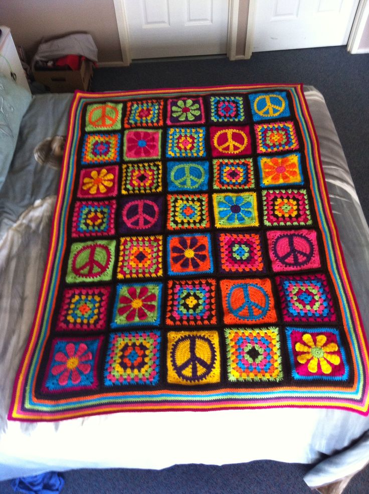 Groovyghan, crochet afghan, hippie, peace, daisy, granny squares. Single bed size
