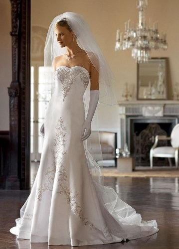 Amazon.com: David's Bridal Wedding Dress: Satin Mermaid Gown with Sweetheart Neckline Style V9322: Clothing: Wedding Dresses Satin, David Bridal, Bridal Dresses, Mermaids Gowns, Beads Embroidery, The Dresses, Bridal Wedding Dresses, Sweetheart Neckline, Satin Mermaids