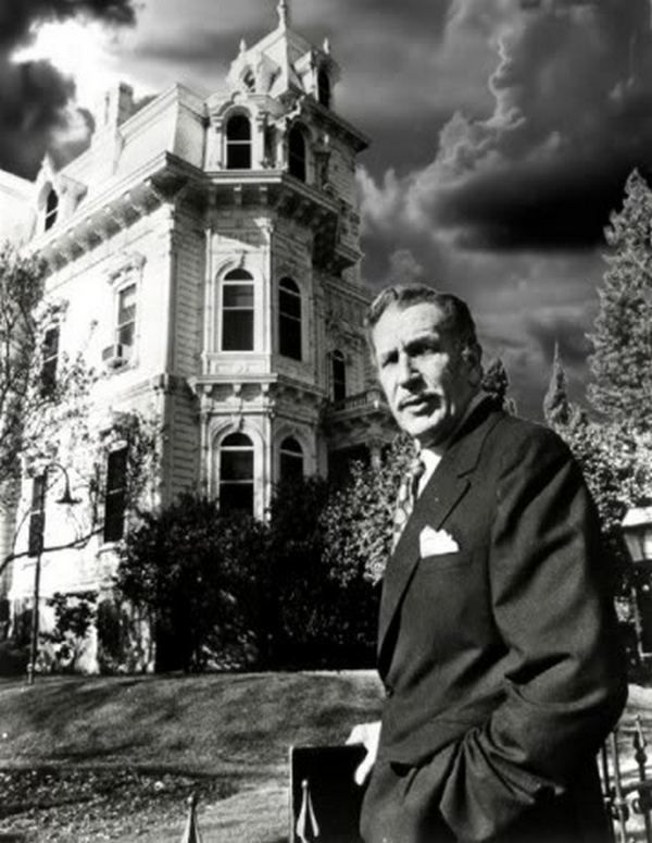 I always loved Vincent Price movies for Halloween, here he is with a 'haunted house'