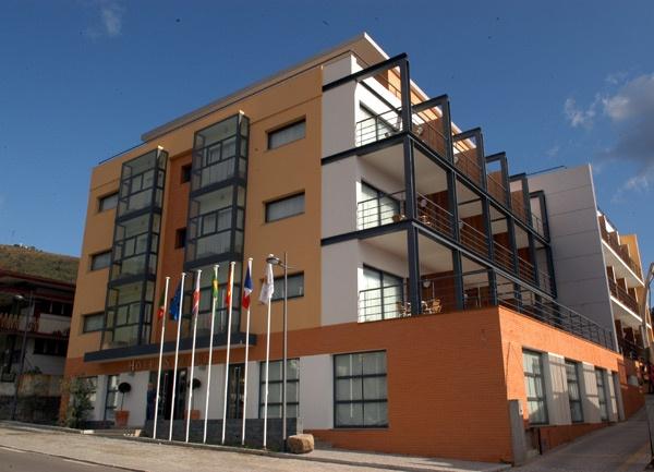 Hotel S. Pedro | * * * | Arouca, Portugal