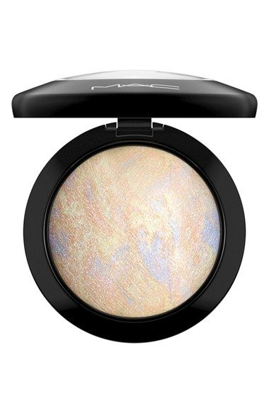 Free shipping and returns on M·A·C 'Mineralize' Skinfinish at Nordstrom.com. Mineralize Skinfinish is a luxurious, slow-baked, velvety soft domed face powder that gives your skin a radiant finish. Featuring the brand's 77-Mineral Complex and vitamin E, it can be strategically buffed onto skin to add highlights to the high points of your face or blended all over for a sheer, luminous polish.How to use: Apply to your face using a brush as desired.