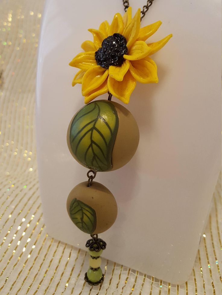 sunflower, gift for her,craft jewelry,birthday gift,party neklace,gift for girl,hypoallergic, idea gift,boho neklace,mother's day,funny idea di MegCreationsFenix su Etsy