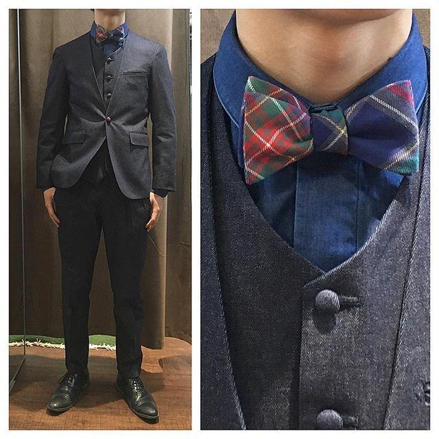 denim suit&shirt.  ノーカラーのデニムスリーピースとデニムシャツ。 <年末年始店休日> 2016/12/28-2017/1/4 . ※期間中は御電話不通となりますので、お問い合わせはHPの問い合わせフォームよりお願い致します。 . .  尚、1/5木曜日は通常定休日ですが、営業となりますので宜しくお願い致します。  オーダーメイド製品はlifestyleorderへ。  all made in JAPAN  素敵な結婚式の写真を@lso_wdにアップしました。  wedding photo…@lso_wd womens...@lso_andc  #ライフスタイルオーダー#オーダースーツ目黒#結婚式#カジュアルウエディング#ナチュラルウエディング#レストランウエディング#結婚準備#新郎衣装#新郎#プレ花嫁#デニム#メンズファッション#蝶ネクタイ…
