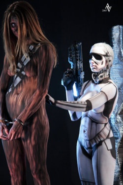 Are thy...naked, body painted as star wars.Roustan Bodypaint, Bodypaint Women, Body Painting, Body Art, Star Wars, Stars Wars, Painting Body, Cosplay Women, Starwars