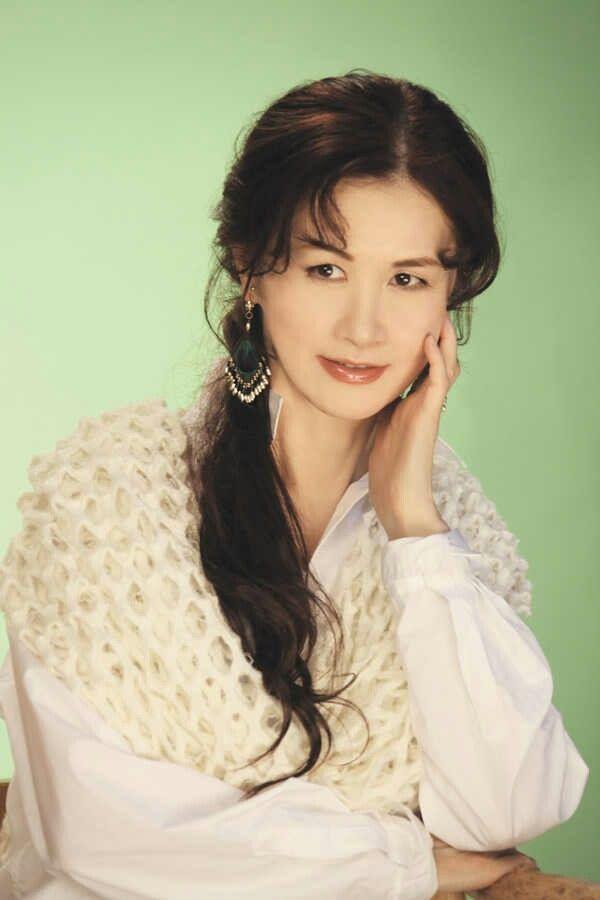 One of my favorite female japanese singer (*˘︶˘*).。.:*♡ . Miyuki Nakajima 『中島 みゆき』 . 《#Miyuki #Nakajima #NakajimaMiyuki #MiyukiNakajima #中島みゆき #みゆき #song #singer #jpop #rock #japan #japanese #nihon #tokyo #日本 #東京》