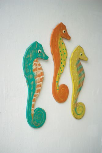 Distressed Painted Wooden Seahorses Set/3